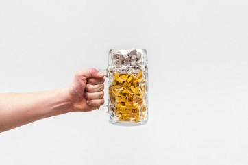 projeto-fotografico-transforma-objetos-do-dia-dia-em-lego-10