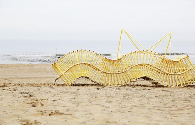 follow-the-colours-esculturas-theo-jansen-Strandbeests-05